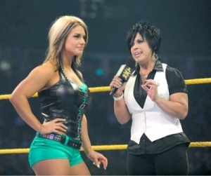 Kaitlyn-and-Vickie-Guerrero-in-Ring