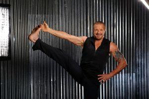 Diamond-Dallas-Page-DDP-Yoga-leg-lift