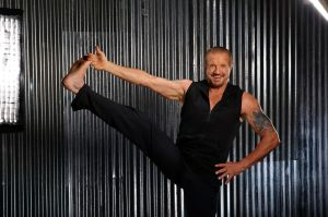 Diamond-Dallas-Page-DDP-Yoga-leg-lift